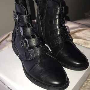 Steve Madden Shoes - STEVE MADDEN PURSUE BLACK LEATHER BOOTIES